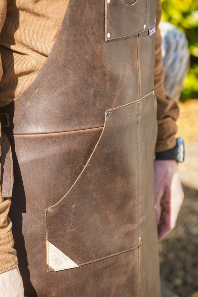 AM-Leathers-Leather-Mechanic-and-Utility-Aprons-Barnard-Castle-2